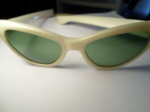 RETRO Cool Ray Poloroid Sunglasses  (VIEW OTHER ADS)) Kitchener / Waterloo Kitchener Area image 7