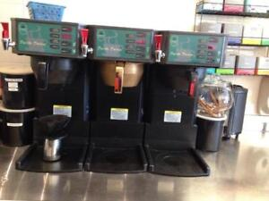 COFFEE BREWER WITH HOT WATER DISPENSER