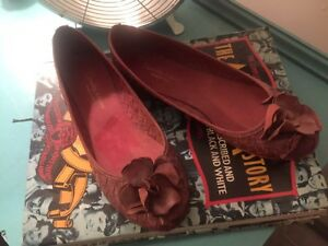 8 pairs of shoes.  Strathcona County Edmonton Area image 2