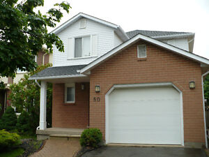 Great rental available on direct Brock bus route!Summer discount