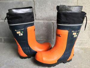 Stihl Chainsaw boots size 11 new condition with Stihl Chaps