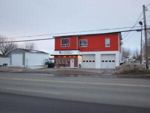 Garage ou Entrepôt commercial à Louer  14 x 48 ( Libre immédiate