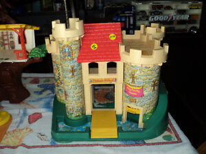 VINTAGE FISHER PRICE PLAYSETS FROM THE 1970'S - CASTLE etc.