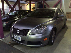 **MOVING OVERSEAS - REDUCED TO SELL **2011 Suzuki Kizashi