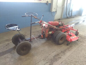 ANTIQUE GRAVELY RIDING LAWNMOWER