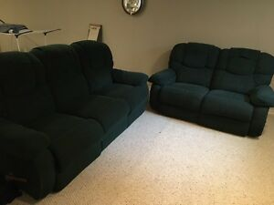 LAZY BOY COUCH & LOVE SEAT 500 OBO