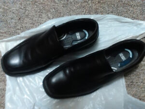 BRAND NEW EXPENSIVE MEN DRESS SHOES - $50