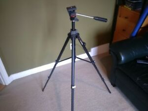 slik camera video tripod