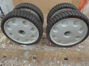 Lawnmower wheels