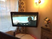 """42"""" inch flatscreen tv philips hd hdmi with wall mount remotes"""