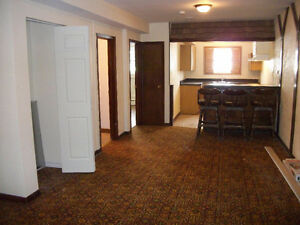 Welland 1 Bedroom - Great Location $700 + Hydro