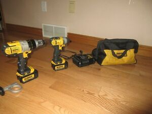 Dewalt 20v Max Hammer Drill/Driver and Impact Set Kingston Kingston Area image 3