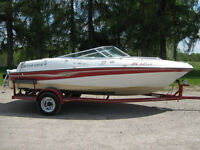 Four Winns Runabout Power Boat