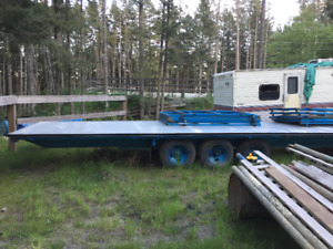 Triple Axel Flatbed Trailer.