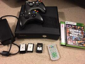 XBOX 360 + GTA5 + x2 wireless controllers + remote