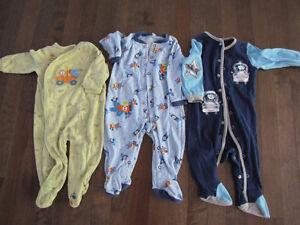 Pyjamas 6-12 mois