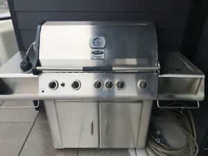 Vermont Castings (Natural Gas) BBQ Grill - good condition