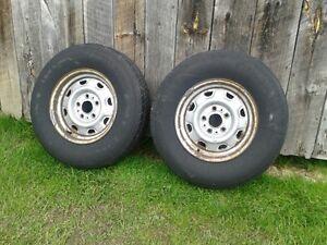 pneus presque neuf