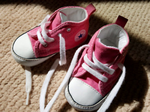 baby's shoes converse