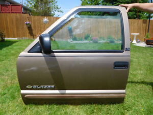 Left Front and Rear Doors to fit Late Model Blazer / Jimmy