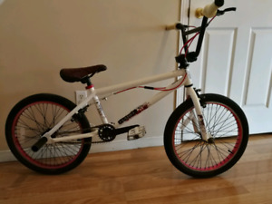 Red and white Haro bmx bike
