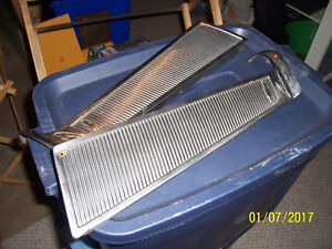 1960 TO 1963 CHEVROLET CUSTOM CAB STAINLESS ROOF TRIM