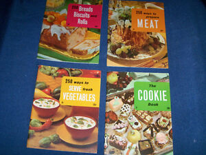 VEGETABLES-BREADS-MEAT-COOKIE-4 COOK BOOKLETS-1960-CULINARY ARTS