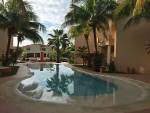 Open and modern condo for rent in Puerto Aventuras