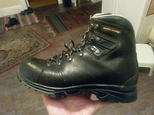 Raichle Kootenay 5 Backpacking Boots, Men's Size 8