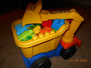 Large Bloks Construction Truck with Bloks