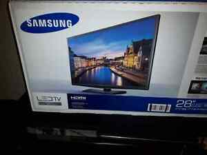 Samsung TV 28in Brand New West Island Greater Montréal image 1