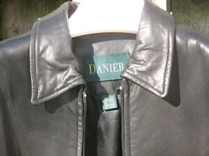Modern Danier Black Lambskin 3/4 length zipper Jacket London Ontario image 4