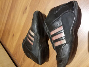 Adidas youth shoes size 2