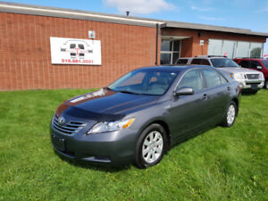 2009 Toyota Camry Hybrid - Loaded with Nav/Leather!