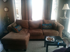 Exceptionally maintained comfy Sectional Couch