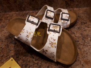 NEW-Jool Soft Foot Bed Sandals- Ladies Sz. 37 or 7- Like Birks