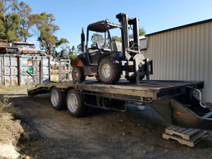 Tag pig machinery trailer