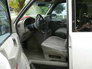 2000 GMC Safari Minivan, Van Cambridge Kitchener Area image 6