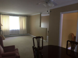 Top floor, $ 1100/Month, Heat incl - Cowan Hts