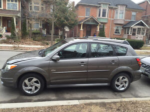 Pontiac Vibe - SUPER LOW MILEAGE, well maintained