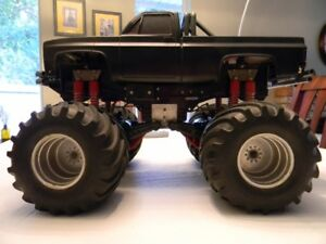 Clod Buster 1/10 Scale 4X4X4 RC Monster Pick-up Truck Tamiya
