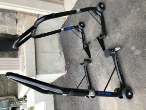 Motorcycle fork lift stand