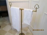 Beautiful Solid Brass Free Standing Towel Rack, excellent condit
