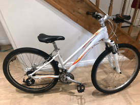 """26"""" Giant 4 liv mountain bike in good working condition"""