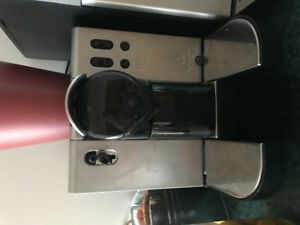 Delonghi EN 680.M Nespresso Coffee Maker
