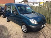 Renault kangoo 1.1 wheelchair adapted , 08 Reg low mileage finance this for £35 a week