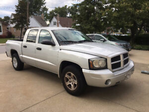 Solid 2007 Dodge Dakota Sport Pickup Truck