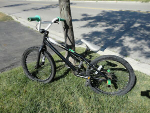 "Mirraco Apprentice 20"" BMX Bike with Rear Stunt Pegs Kitchener / Waterloo Kitchener Area image 9"