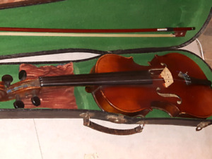 **OLDER 4/4 VIOLIN with hard case....4SALE