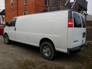 2008 chev express 2500 extended van..